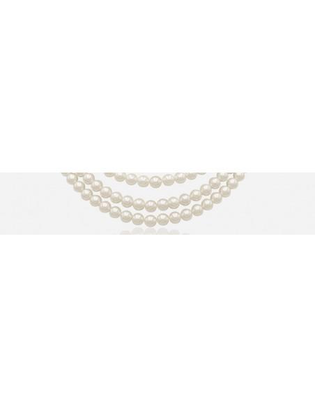 Pearls necklaces